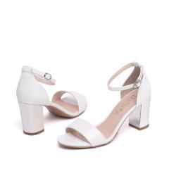 达芙妮夏季新品时尚纹粗高跟一字扣女凉鞋1016303123